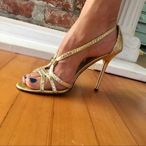 Sexy Guess Gold Stilettos Size 7 Or 7.5